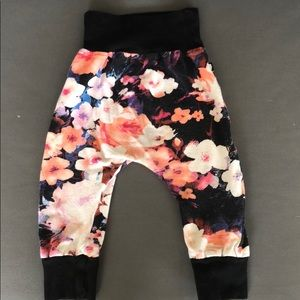 theMINIclassy Drop Crotch Joggers
